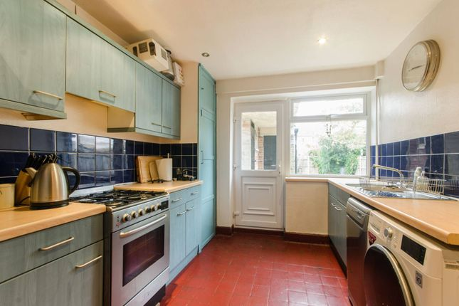 Thumbnail Property to rent in Vernon Avenue, Raynes Park, London