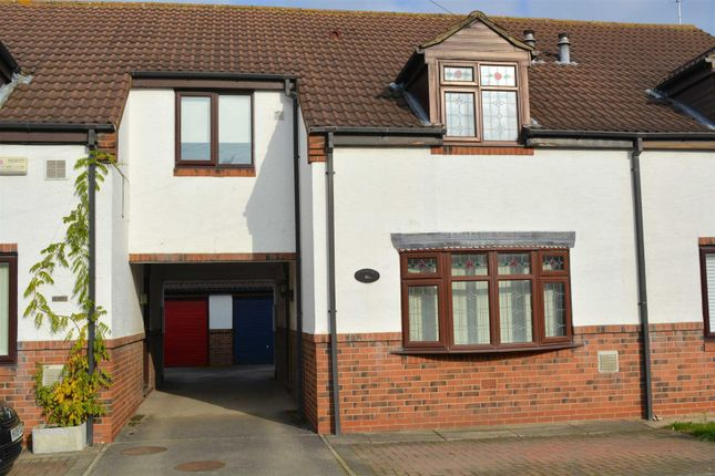 3 bed semi-detached house to rent in Station Road, Church Fenton, Tadcaster LS24
