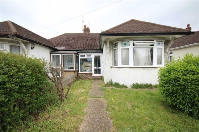 Thumbnail Bungalow to rent in Chester Avenue, Twickenham