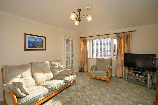 Picture No. 09 of Priory Way, Mirfield, West Yorkshire WF14