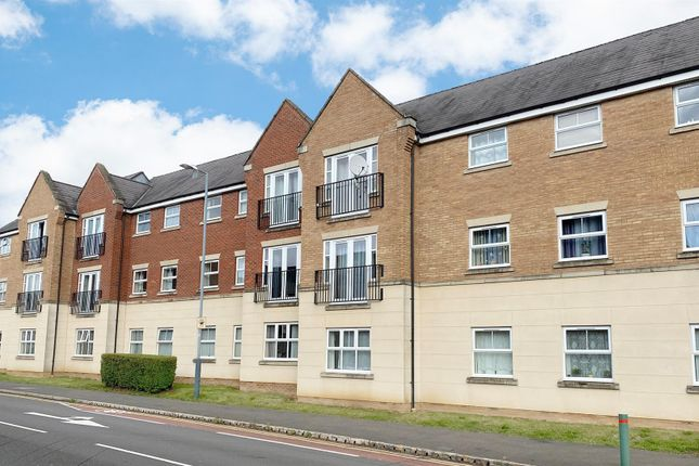 2 bed flat for sale in Dunster Close, Rugby CV22