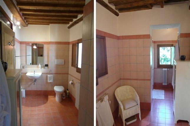 Bathroom 2 of Monteloro, Anghiari, Arezzo, Tuscany, Italy