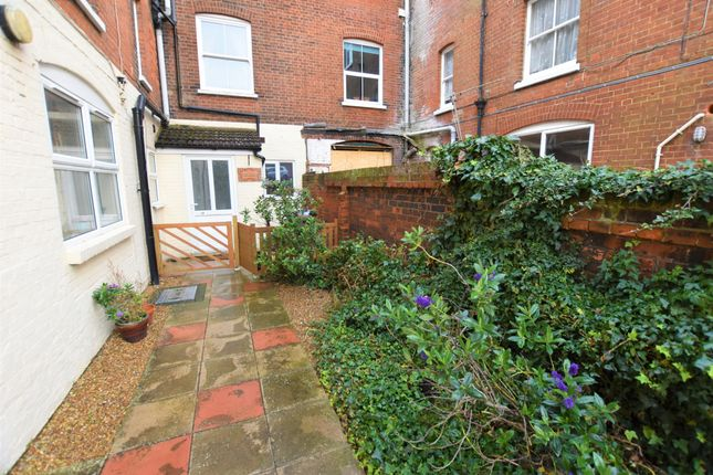 2 bed flat for sale in Cabbell Road, Cromer NR27