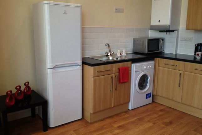 Thumbnail Flat to rent in Noel Street, Forest Fields, Nottingham