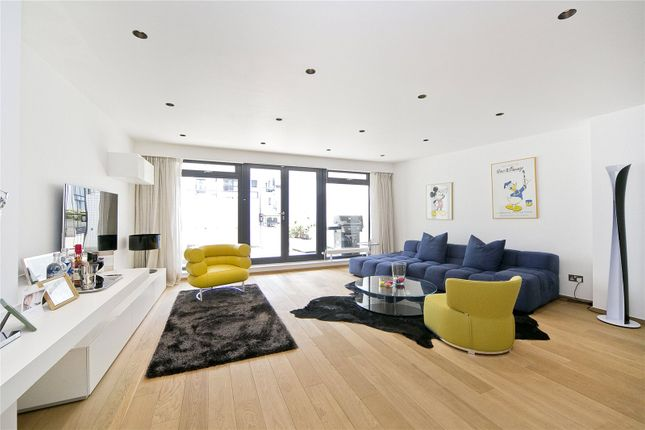 Thumbnail Flat for sale in Britton Street, Clerkenwell