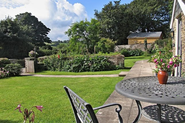 Thumbnail Farmhouse for sale in Halwell, Totnes