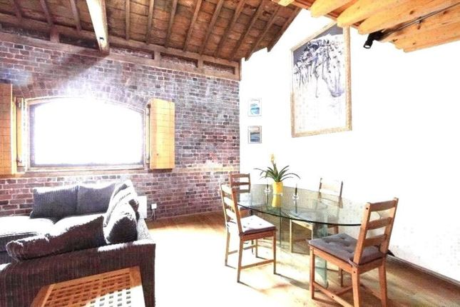 Thumbnail Flat to rent in Port East Apartments, Hertsmere Road, London