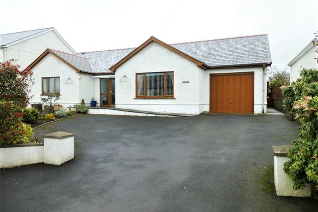 Thumbnail Bungalow for sale in Coed Y Bryn, Llandysul