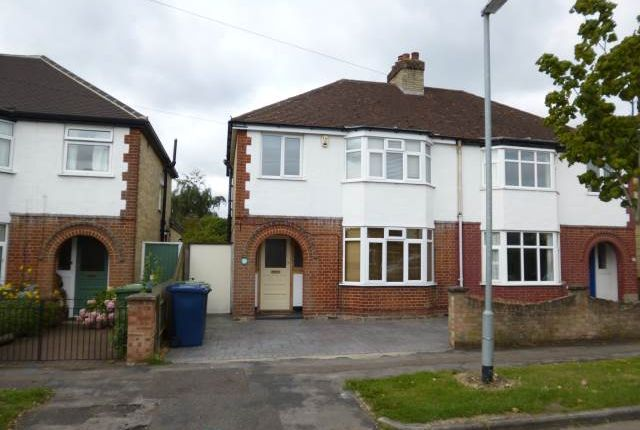 Thumbnail Property to rent in Chesterfield Road, Cambridge