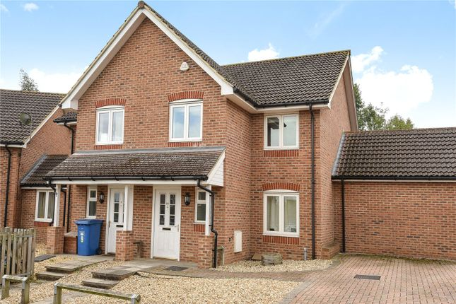 Thumbnail Semi-detached house to rent in Pound Place, Binfield, Berkshire