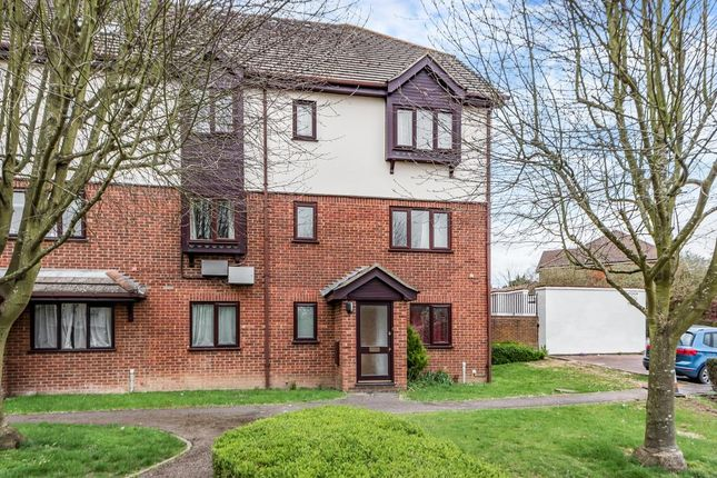 Thumbnail Flat to rent in Totteridge Avenue, High Wycombe