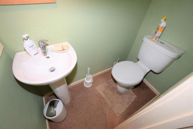 En-Suite of Porthkerry Road, Barry CF62