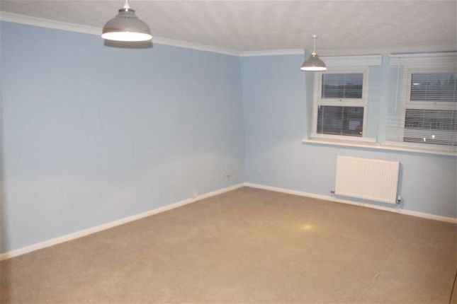 Thumbnail Flat to rent in Broughton Grange, Swindon