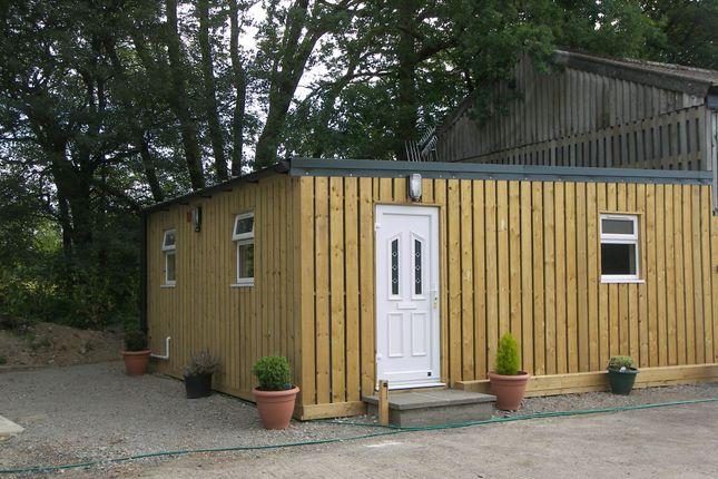 1 bed flat to rent in Marches Road, Warnham, Horsham RH12