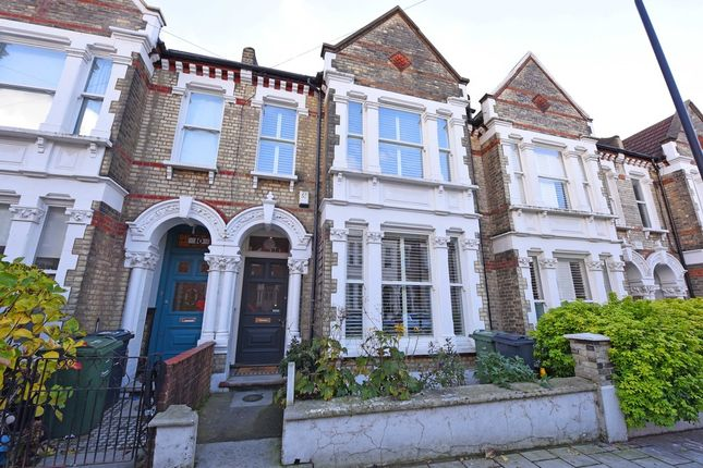 Thumbnail Terraced house for sale in Kingscourt Road, London