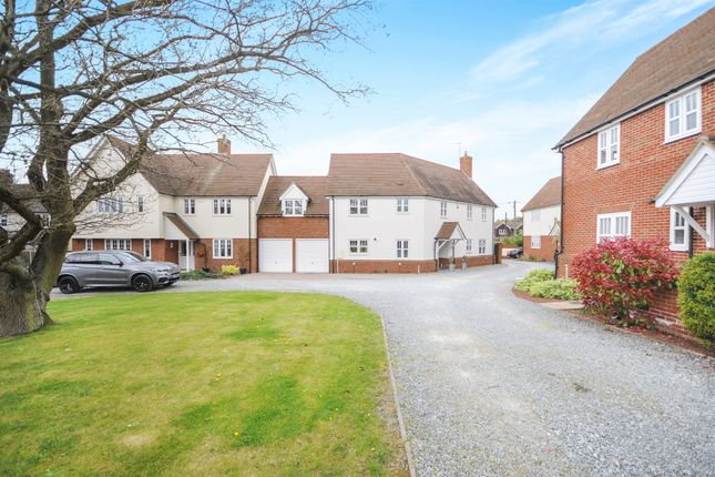 Thumbnail Link-detached house for sale in The Tythings, Howe Green, Chelmsford