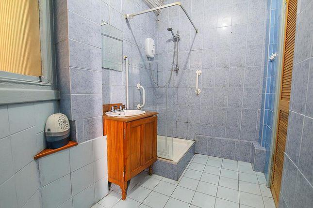 Shower Room of Park View Court, Bath Street, Nottingham NG1