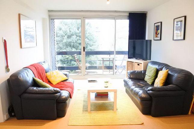 Thumbnail Flat to rent in Coolhurst Road, London
