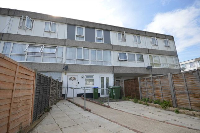 Thumbnail Town house for sale in Mangold Way, Erith