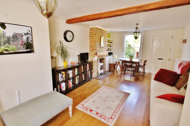 Thumbnail Cottage to rent in Manor Road, Chigwell