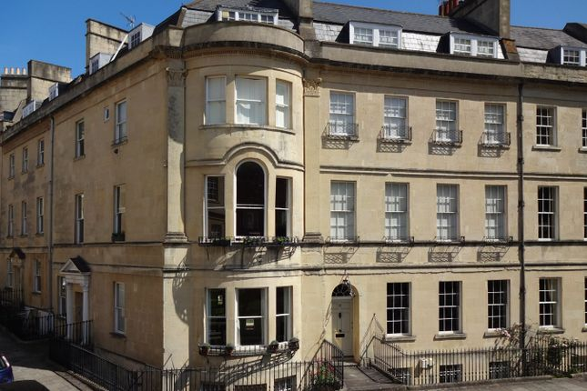 Thumbnail Flat to rent in St James's Square, Bath