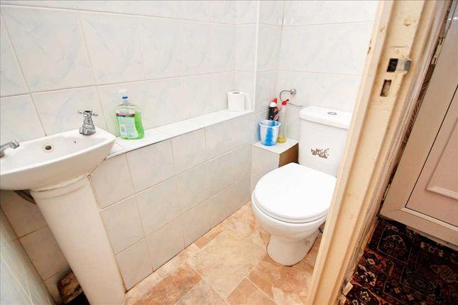 Guest WC of East Road, Edgware HA8