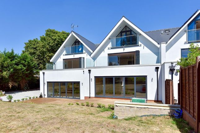 Thumbnail Semi-detached house for sale in Lakeside, North Oxford