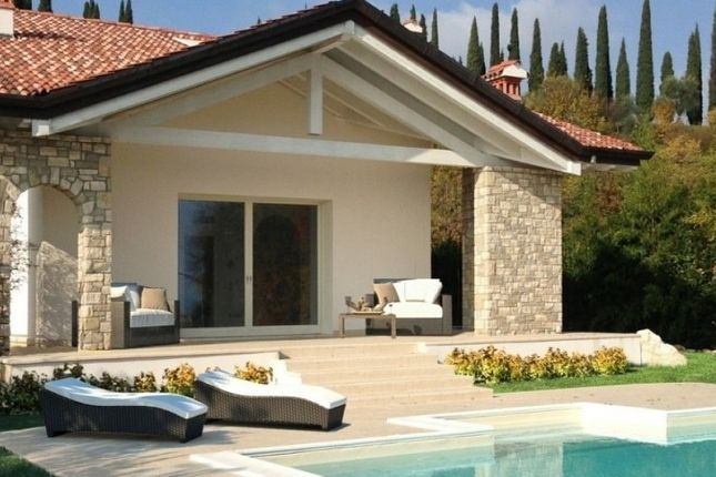 Italia Living Real Estate Amp Architects Nw9 Property