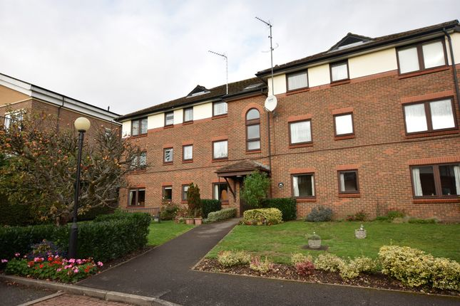 Thumbnail Flat for sale in First Avenue, Garston, Hertfordshire
