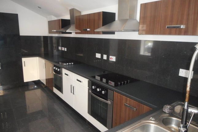Thumbnail Property to rent in Woodville Road, Cathays, Cardiff