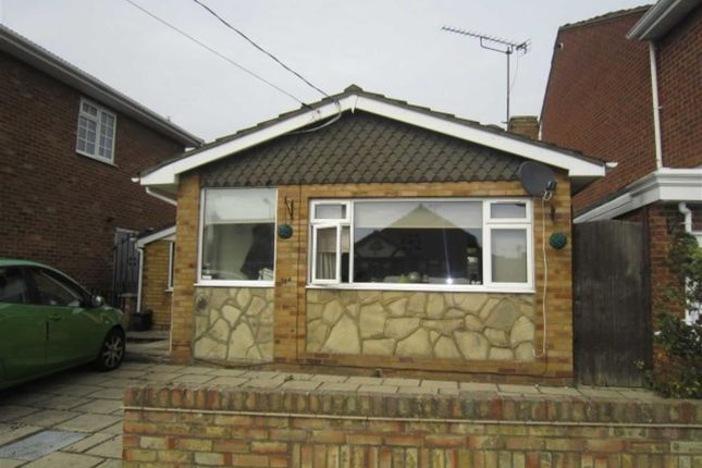 2 bed detached bungalow to rent in Urmond Road, Canvey Island, Essex SS8