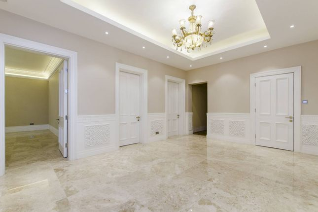 Thumbnail Flat to rent in Cromwell Road, Kensington