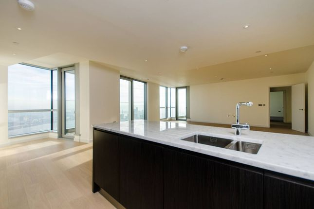 Thumbnail Flat to rent in Charrington Tower, Canary Wharf, London