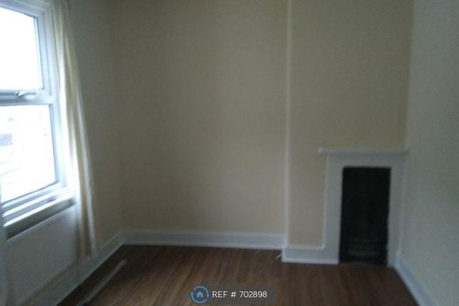 Bedroom 3 of Grove Road, Grays RM17