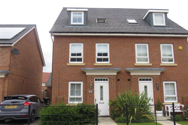 3 bed property to rent in Peregrine Way, Warwick CV34