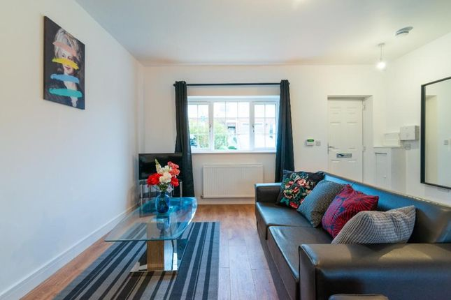 2 bed flat to rent in 6 Short Avenue, Manchester M43