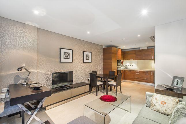 2 bed flat to rent in 352 Queenstown Road, London