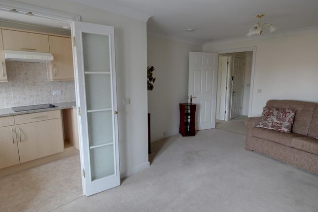 Room 7 of Reeves Court, 71 Frimley Road, Camberley, Surrey GU15