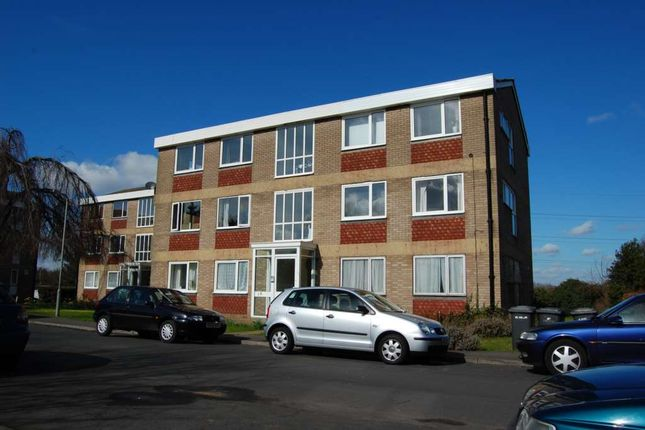 2 bed flat for sale in Langton Close, Addlestone KT15