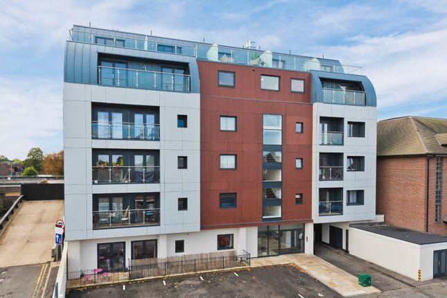 1 bed flat for sale in Lavender Park Road, West Byfleet KT14