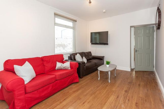 Thumbnail Shared accommodation to rent in Malefant Street, Cardiff