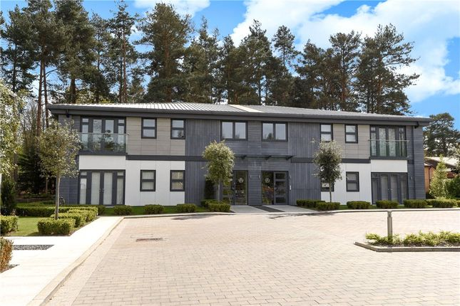 Thumbnail Flat for sale in Corunna Court, Wellington Business Park, Crowthorne