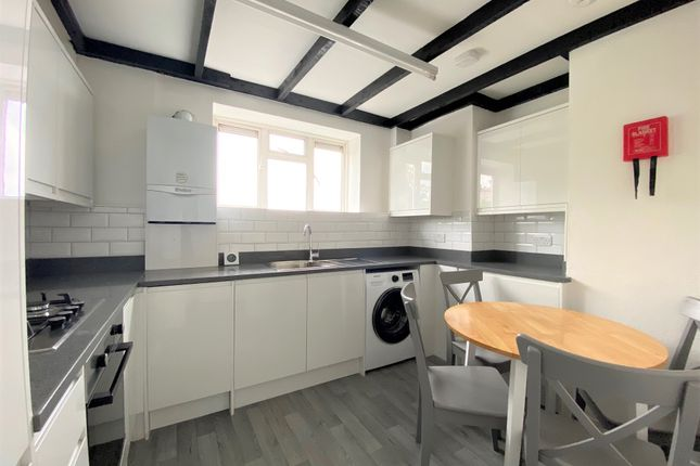 3 bed flat for sale in Crowndale Road, Mornington Crescent NW1