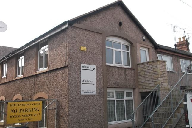 Thumbnail Flat to rent in Yr Hafod, Jubilee Street, Llandudno