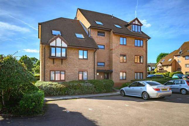 2 bed flat for sale in Bowls Court, - Duplex Apartment, Great Location CV5