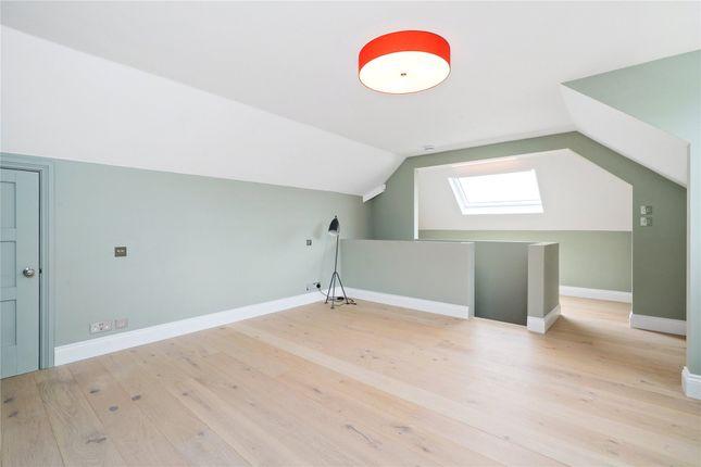 Picture No. 10 of Old Avenue, Weybridge, Surrey KT13