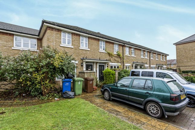 Thumbnail Terraced house to rent in Compton Close, London