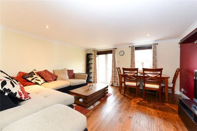 Thumbnail Terraced house to rent in Schooner Close, Canary Wharf, London