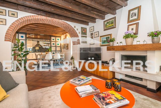 2 bed apartment for sale in Cermenate, Como, Ita, Cermenate, Como, Lombardy, Italy
