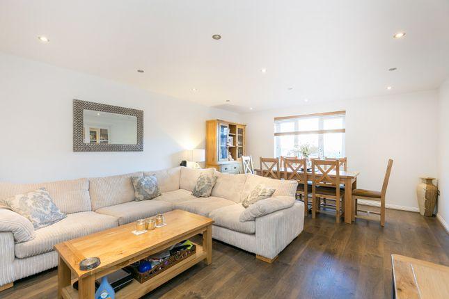 Thumbnail Flat for sale in 19 Stafford Close, Oakwood